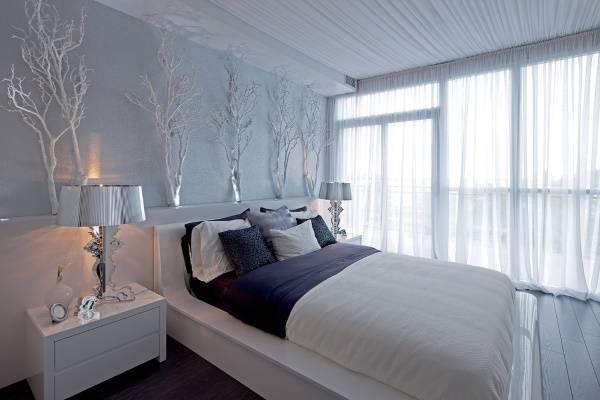 Украшение потолка и окна длинной тюлью