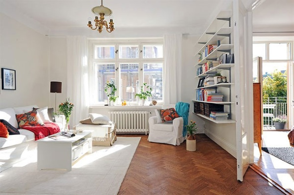 Уютный дизайн интерьера без симметрии