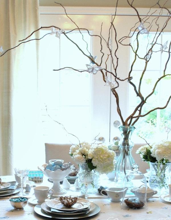 Декор с ветками и свежими цветами