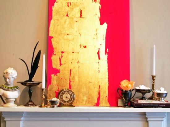 Арт с красной и золотой краской
