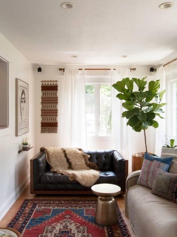 Белая тюль в  дизайне гостиной