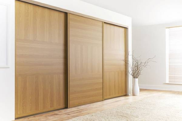 Шкаф купе с широкими дверцами