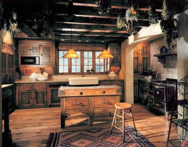 Коричневая кухня в стиле французский кантри