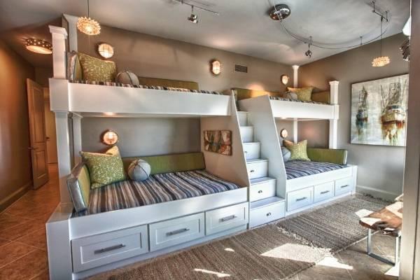 Двухъярусная кровать с ящиками на 4 ребенка