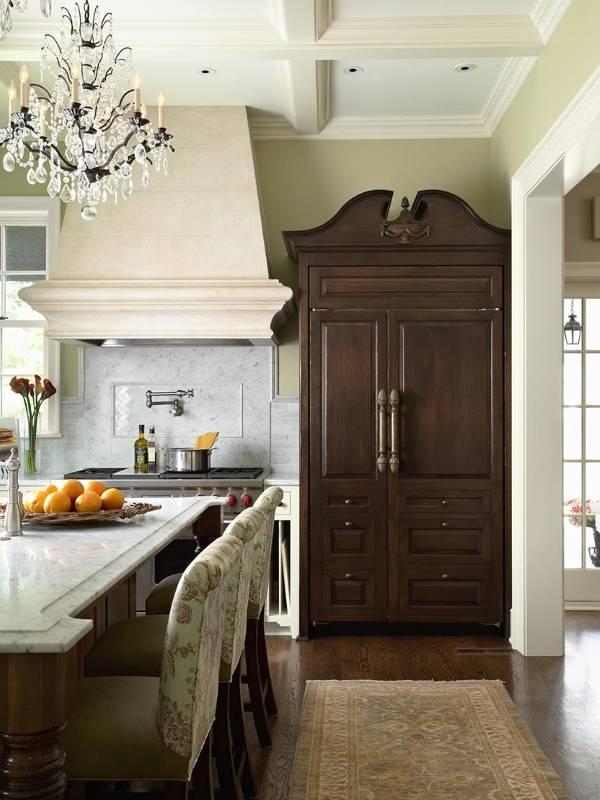 Кухня с кладовкой в стиле прованс
