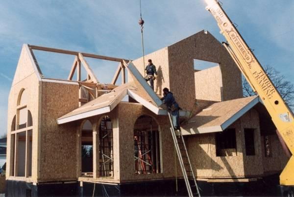 Сборка дома из экологичных SIP панелей