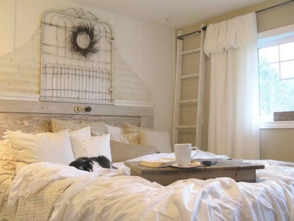 Античный деревенский стиль спальни