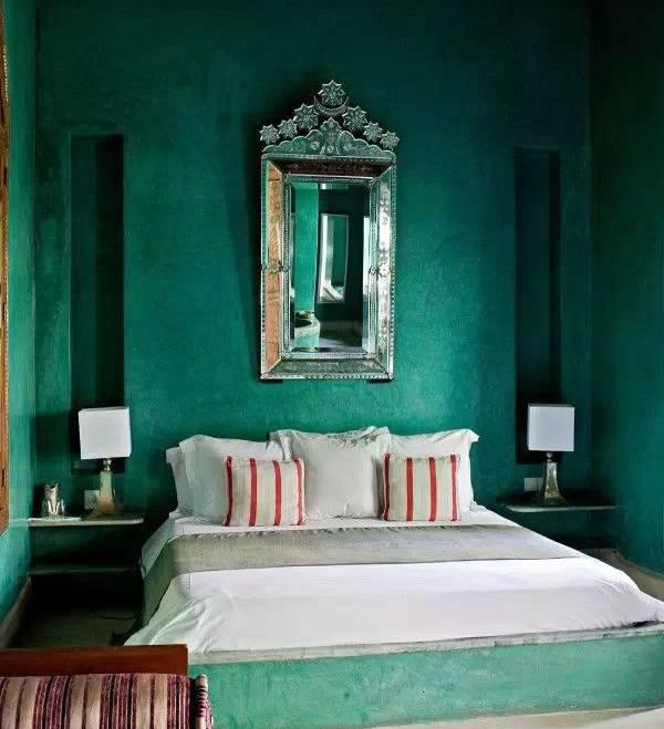 Зеленая спальня в стиле luxury