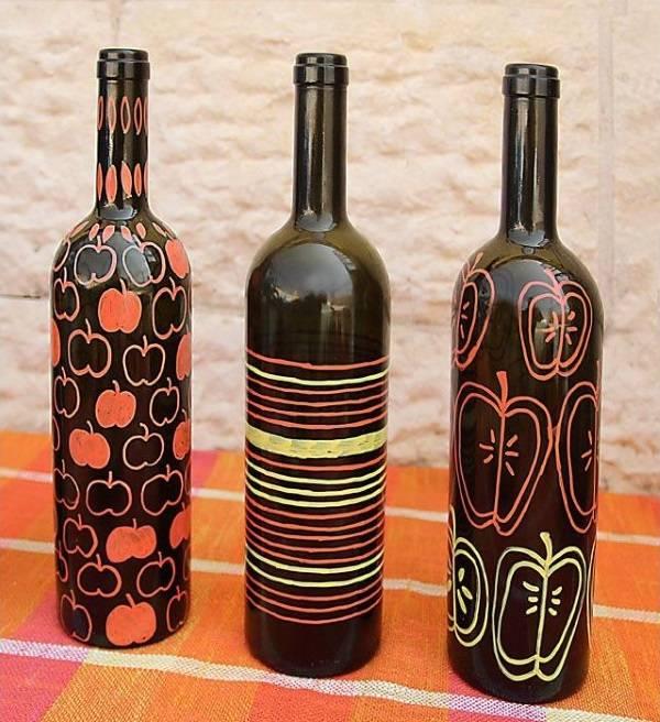 Рисунки на темных бутылках