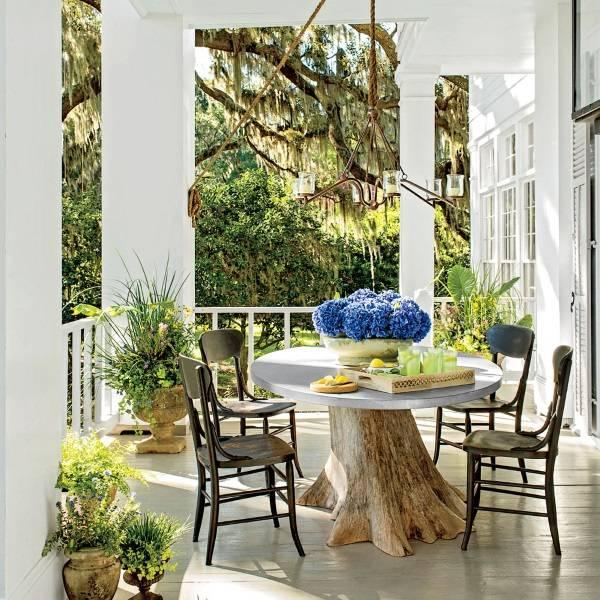 Стол из ствола дерева для веранды