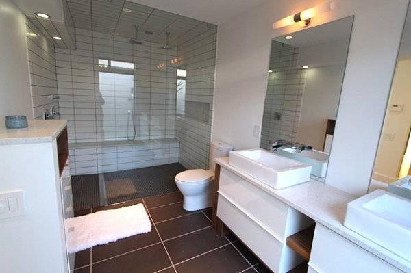 Водосберегающий унитаз в дизайне ванной