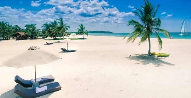 Пляж Uga Bay на острове Шри-Ланка