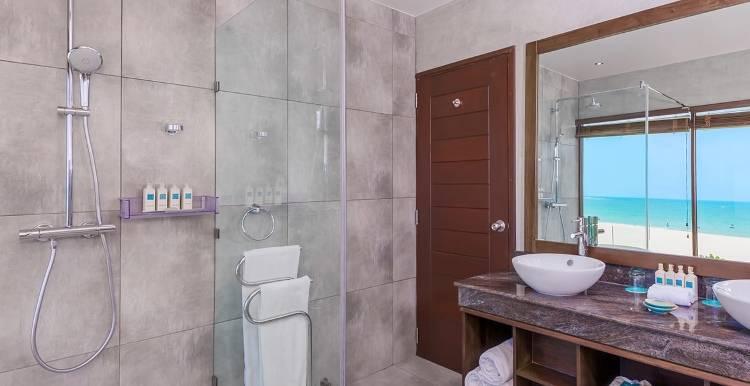 Дизайн ванной в отеле Uga Bay