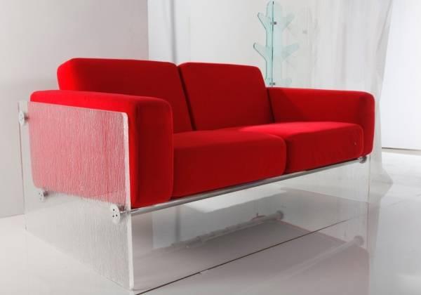 Мягкая мебель с деталями из акрила