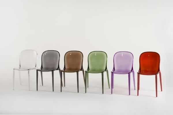 Кресла из разноцветного акрила