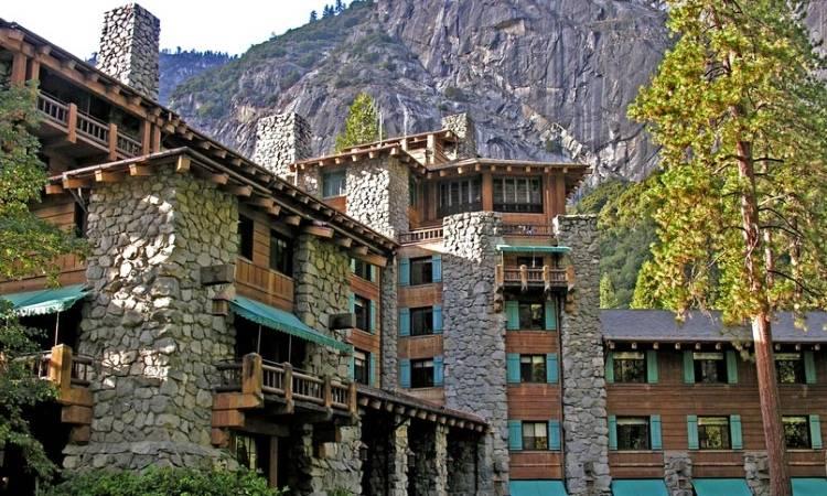 Отель в горах (Ahwahnee, Йосемити)