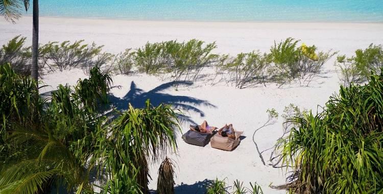 Отдых на пляже в Таити
