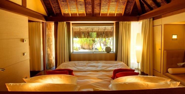 Дизайн спальни в отеле The Brando