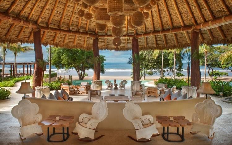 Ресторан в отеле Mukul Luxury Resort & Spa