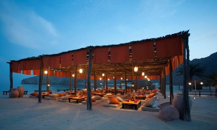 Ресторан в отеле Six Senses Zighy Bay
