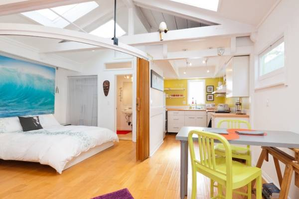 Необычный дизайн маленькой квартиры студии