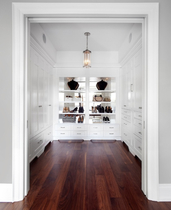 Шикарный дизайн гардеробной комнаты из кладовки