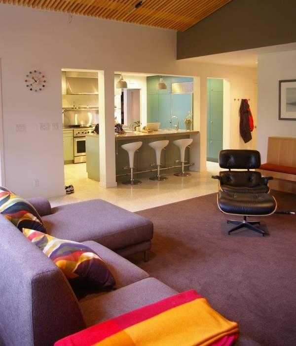 Стильный дизайн кухни в квартире студии