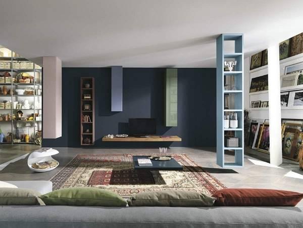 Набор стильных и необычных этажерок для гостиной