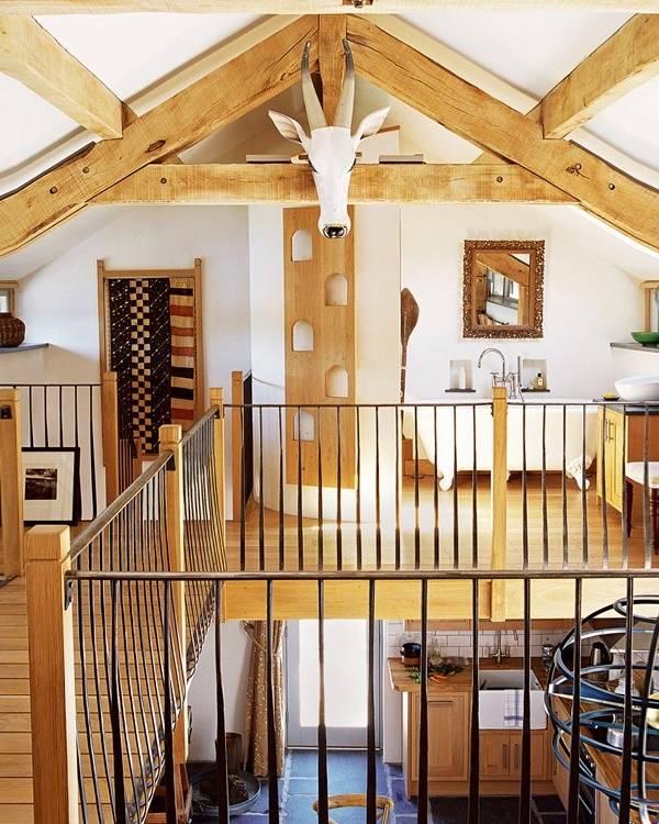 interier-mansardy-s-balkonom