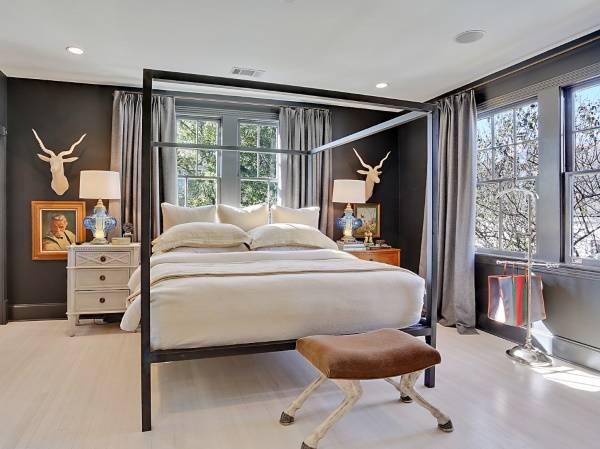 Красивые настольные лампы в спальне