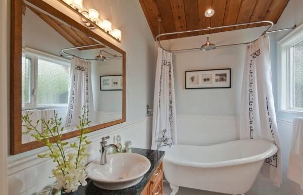 Отдельно стоящая ванна в дизайне ванной