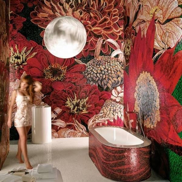 Красивая мозаика из плитки в ванной