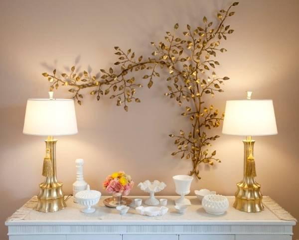 Настольная лампа как украшение комнаты