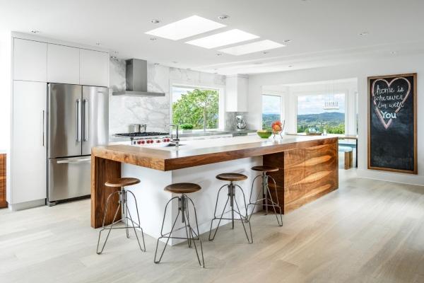 Дерево в дизайне кухни 2015