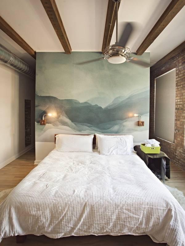 Дизайн спальни в лофте с фотообоями