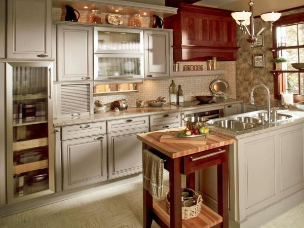 Кухня в сером цвете и стиле шейкер