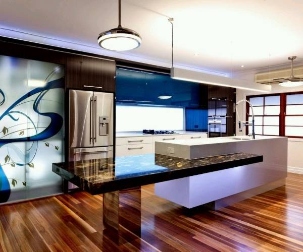 Смелый современный дизайн кухни