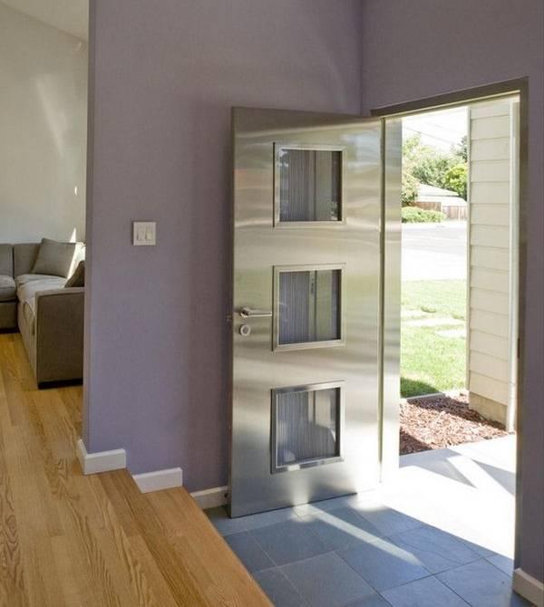 Красивые металлические двери из нержавейки