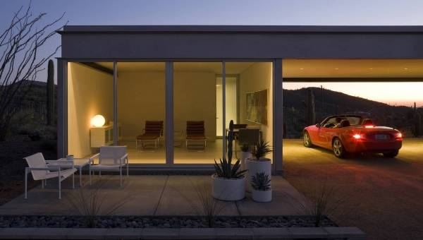 Дизайн маленького дома с навесом без гаража