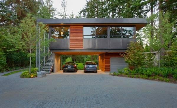 Дом с навесом для двух машин вместо гаража