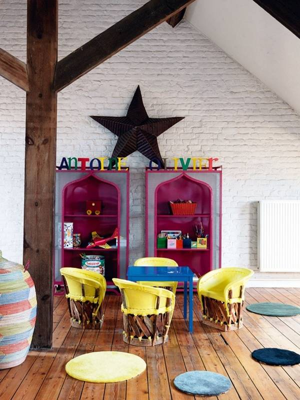Внутренний дизайн частного дома - комната на чердаке