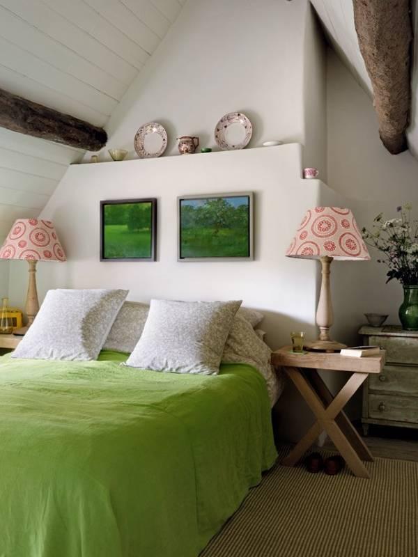 Дизайн спальни на чердаке частного дома