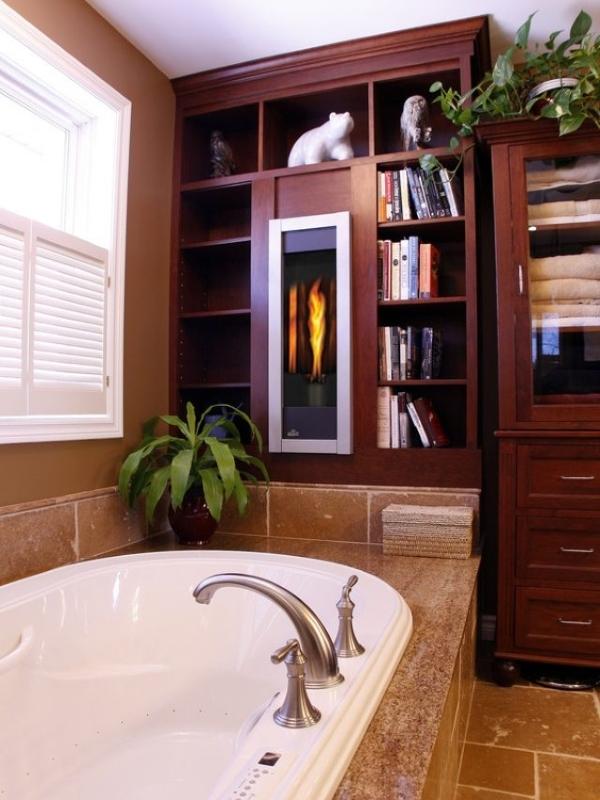 Камин, встроенный в шкаф в ванной