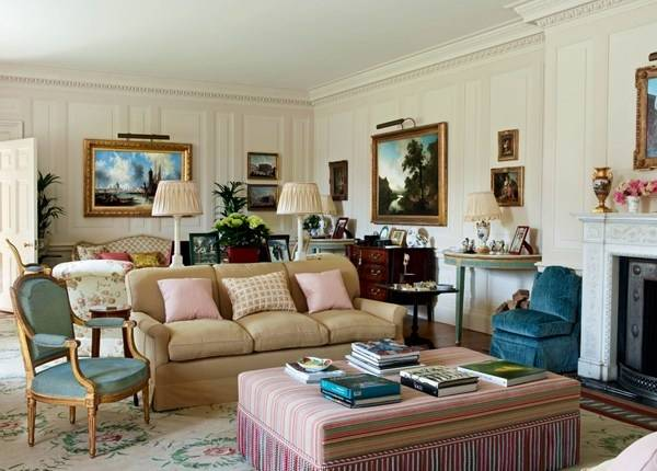 Классический дизайн гостиной частного дома