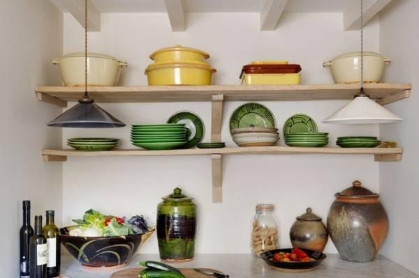 Маленькая кухня в частном доме