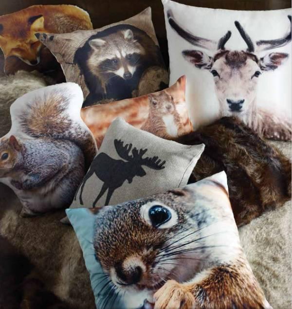 Подушки с животными от The Urban Barn
