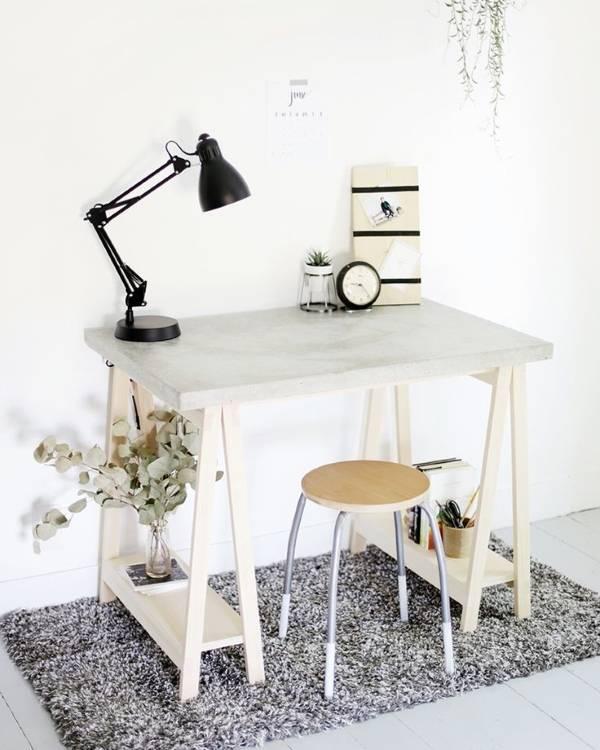 Самодельный стол из бетона и дерева