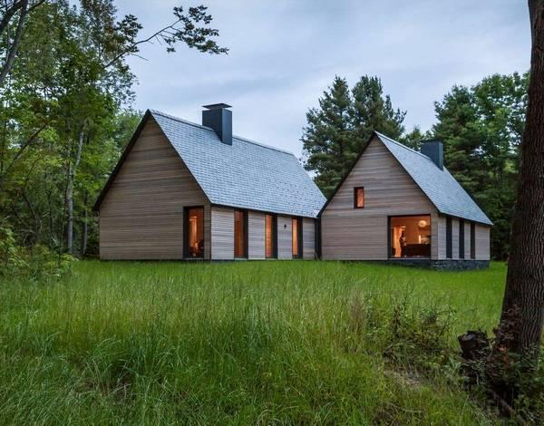 Стильный дизайн частного дома в деревне