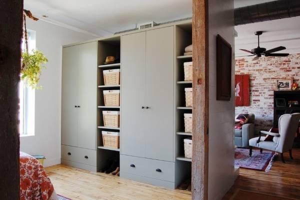 Большие встроенные шкафы для прихожей