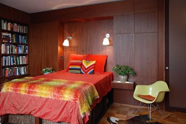 Красивые встроенные шкафы в спальне